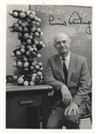 Linus Pauling Signed photo